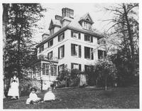 Children outside of Winterthur, Col. Henry A. du Pont's house