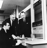 Employees working with UNIVAC 490
