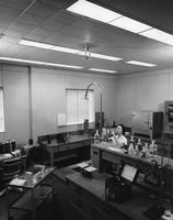 Biochemistry lab at DuPont's Haskell Laboratory for Toxicology and Industrial Medicine