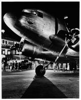 A United Mainliner preparing for night departure from Burbank, California (Union Air Terminal)