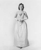 Mary Ann Mobley, Miss America 1959, in Peter Pan Everglaze cotton damask ball gown by Nanty