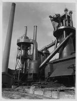 Blast furnace with dust catchers