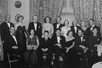 1950 du Pont family reunion group portrait, Print No. S-9