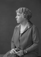 Alice Belin du Pont in 1925