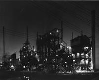 Hylene organic, isocyanates plant at DuPont Chambers Works at night