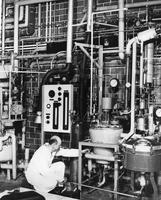 A corner of the new Special Service Lab at the DuPont Company's Experimental Station