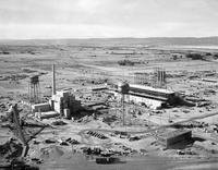 Hanford Reactor under construction