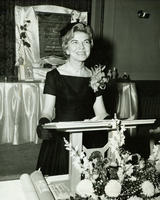 Mrs. Bobbie Ellis, winner of the President's Award, Diamond Division (Texas)