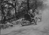 Pope-Hartford automobile racing during the 1907 Giants Despair Hillclimb