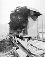 Wreck near Longfellow, Pa., dining car #4462, end view