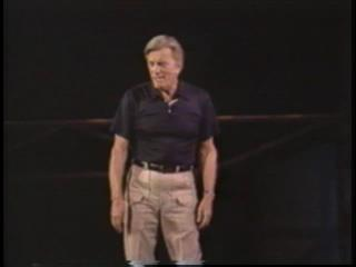 Kirk Douglas addresses Sperry employees at the Go Club