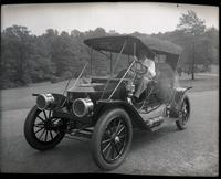Tom Marshall in 1910 Coffin Nose Stanley Steamer Model 71 at Rockford Park