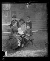 3500 Powelton Ave., family group in the yard